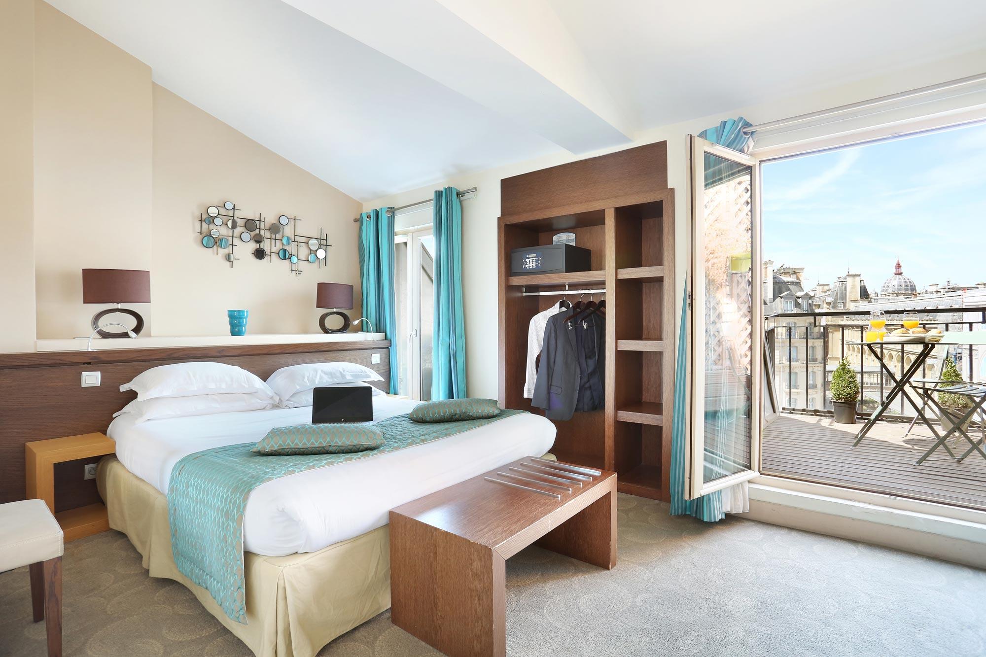 Chambre superieure grand h tel de normandie for Chambre hotel normandie